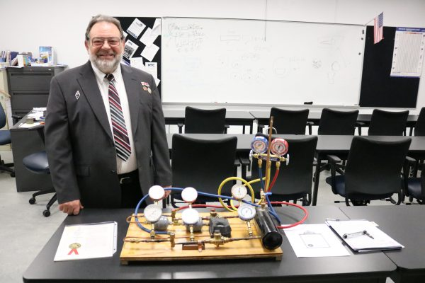 Inventor assigns patent to MTC—first for the school